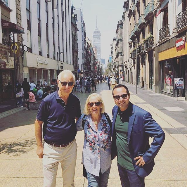 Hola from Mexico City! Rob & Karen enjoying a personalised tour of the rich history, arts & food culture with Luis from @JourneyMexico 🇮🇹 #TransWorldTravel #travelagents #luxurytravel #MexicoCity #DF #Mexico #JourneyMexico #personaltourguide #luxurytour #luxuryholiday #virtuosoagents #virtuosotravel 📸 Rob Mackie