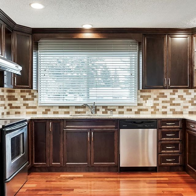 Come check out this beautiful kitchen in Dalhousie.  Open house today and tomorrow from 1:30-4pm.  5131 Dalham Cres NW. . . . #yyc #yycrealestate #dalhousie #openhouseyyc #openhouse #springishere #kitchen #renovated #justlisted #ghuarealestate