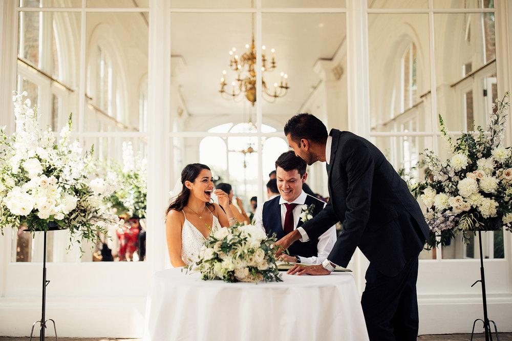 the-orangery-holland-park-wedding-00048.jpg