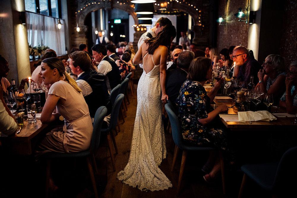 the-orangery-holland-park-wedding-00100.jpg