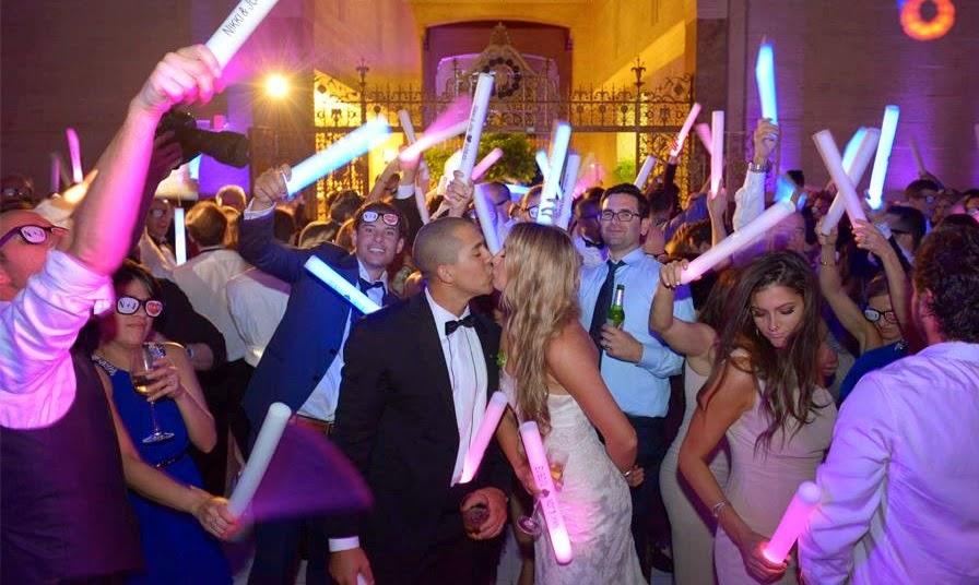 GLOW_Wedding_LED_FOAM_STICK.jpg