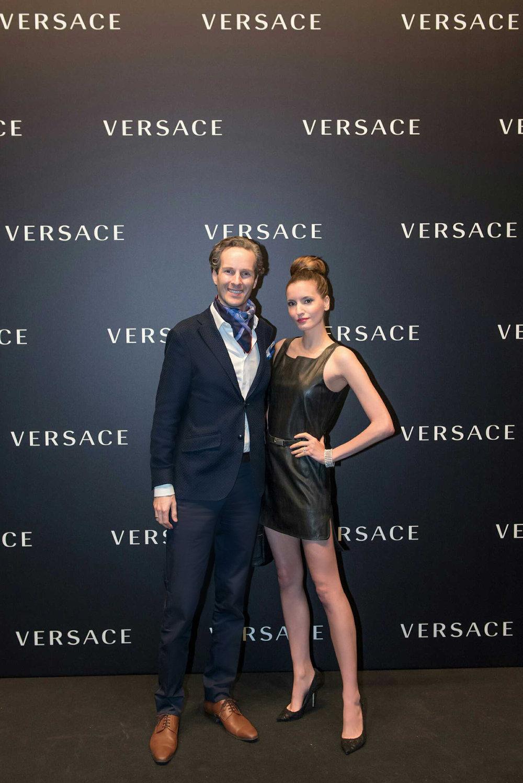 Nikolas Prehn, Kelly England Versace