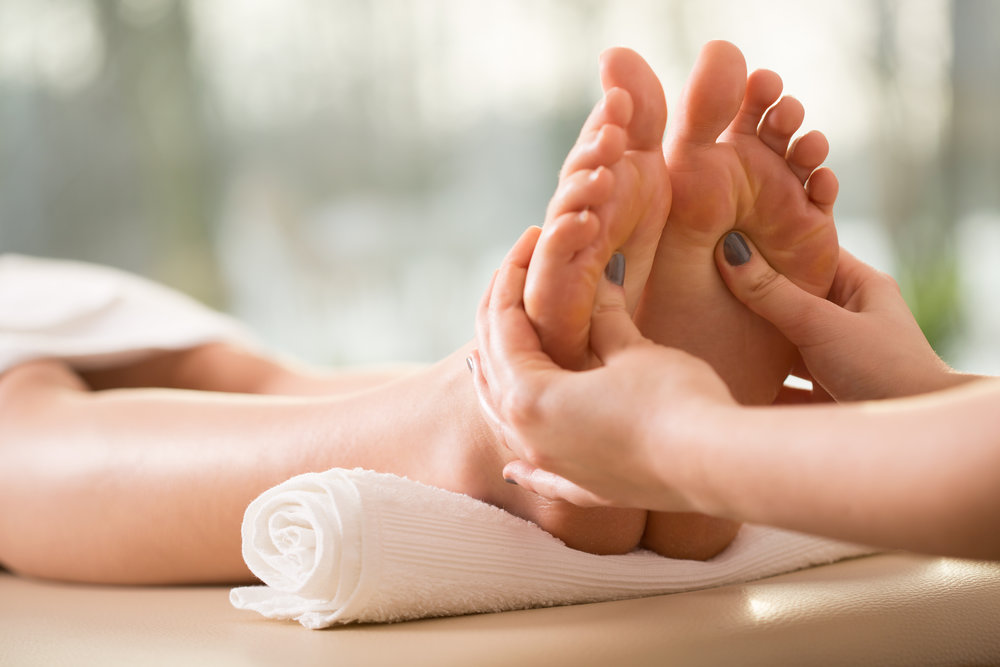 foot-massage-process