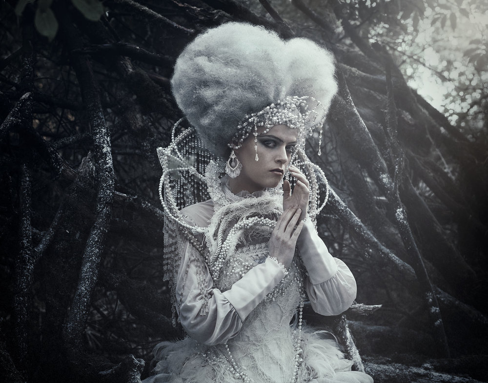 0687-fineart-conceptualphotography-costumedesign-mikaelaholmberg-mirjamlehtonen-morkcollective.jpg