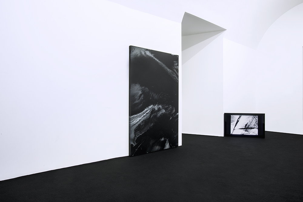 no.stereo - song no.1 - installation view  Left to Right:   Paulo Arraiano     Michael Bennett