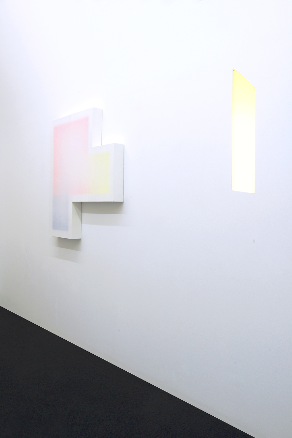no.stereo - song no.1 - installation view  Left to Right:  Patric Sandri   João Paulo Serafim