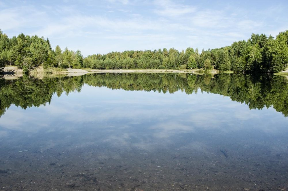 Världens sjöar är generellt grundare än man trott, enligt ny forskning. Tidigare uppgifter om sötvattensmängderna på jorden har varierat mycket och har ofta presenterats utan data eller metoder som grund. Foto: Josefine Linnea Jonsson