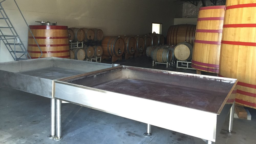De Garde's coolship and some of their foeders.