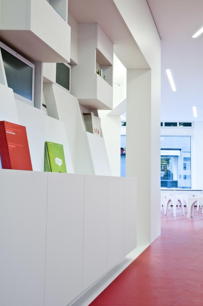 Architektur_offizin-a_Kyeni S. Mbiti_Projekte_Kultur_Trottoir_01.jpg