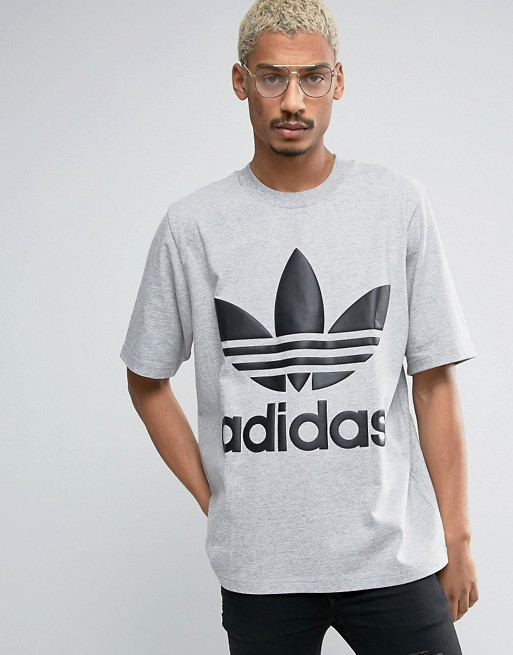 Adidas T Shirt in Grey  €18.00