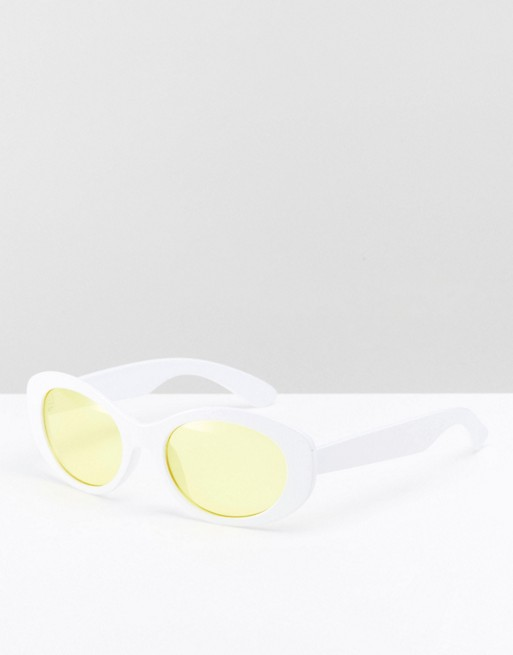 Oval Sunglasses In White With Yellow Lens €10.00