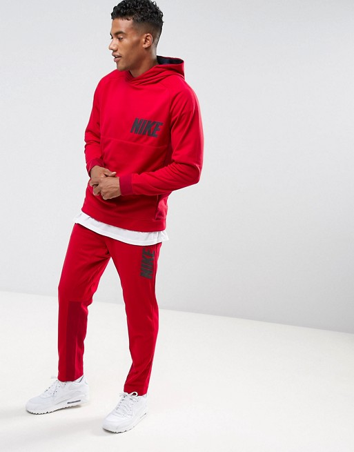 Nike Tracksuit in Red €101.00