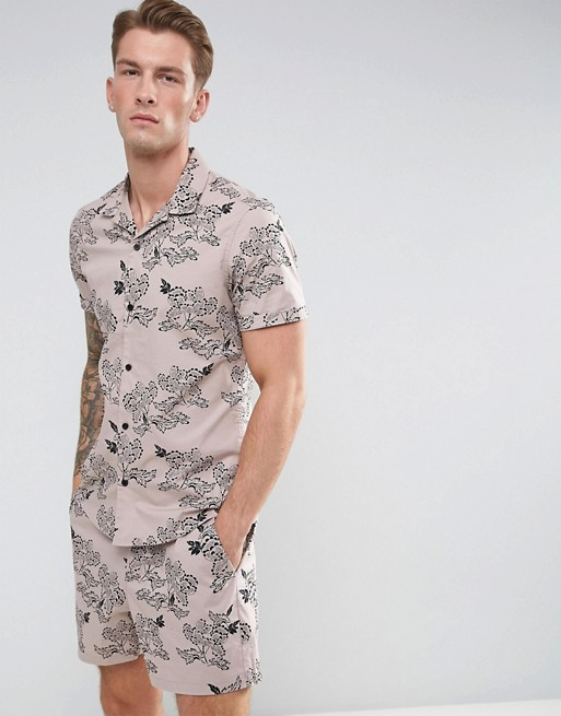 Shirt with floral print €30.00