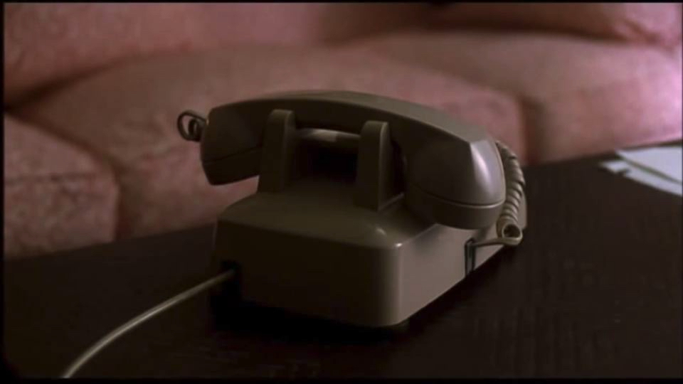 (Picture 2: The close-up images of a telephone represent the presence of an acousmatic stalker character and a telephone as a fear trigger. Picture © Melvin Simon Productions & Sony Pictures Home Entertainment.)