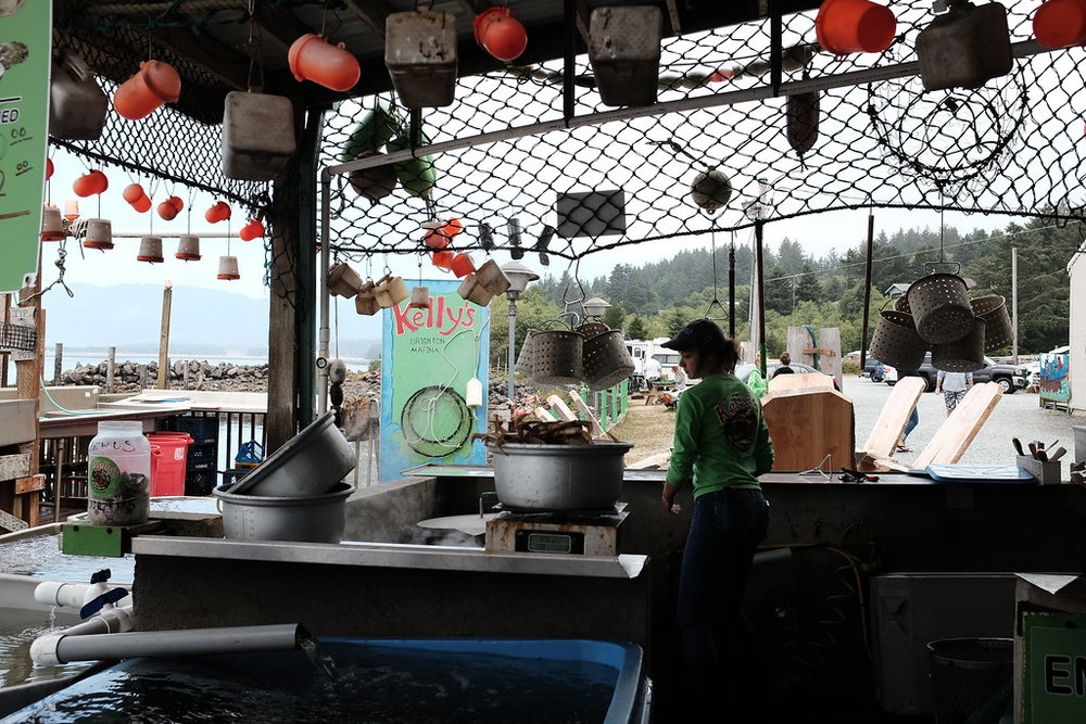 Stopped by Kelly's Marina for some lunch. Nothing like eating fresh seafood right out of the water while enjoying some awesome Oregon brews. We enjoyed it so much we came back a few days later to do it all over again.