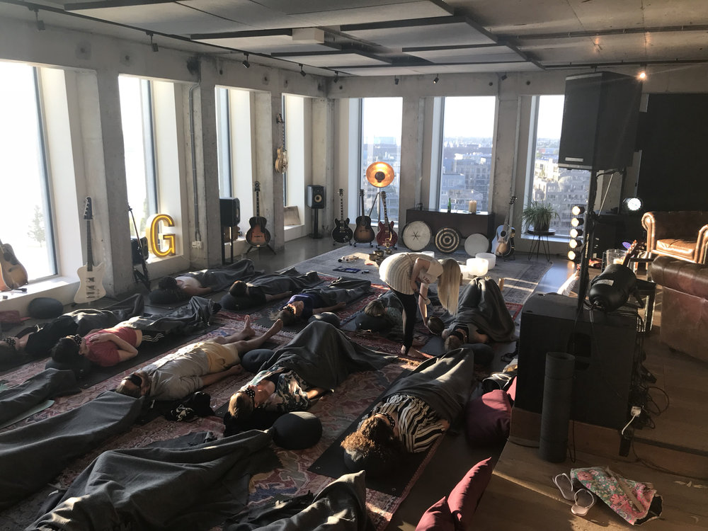 Gibson Guitar & Massive Music presents Shift Meditation in the  Amsterdam Tower .