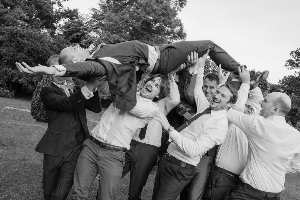 groom lift