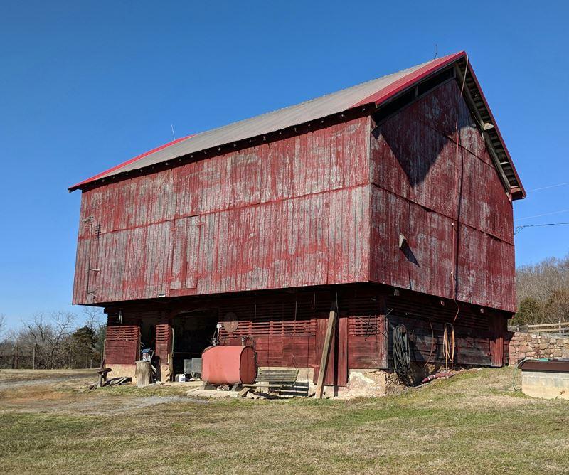 A typical Shenandoah County bank barn.
