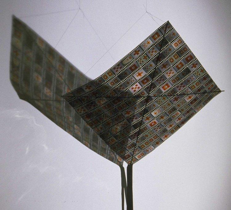 Slide Kite, detail