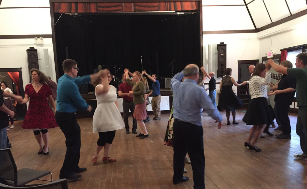 Swing lesson before the dance in June 2017.