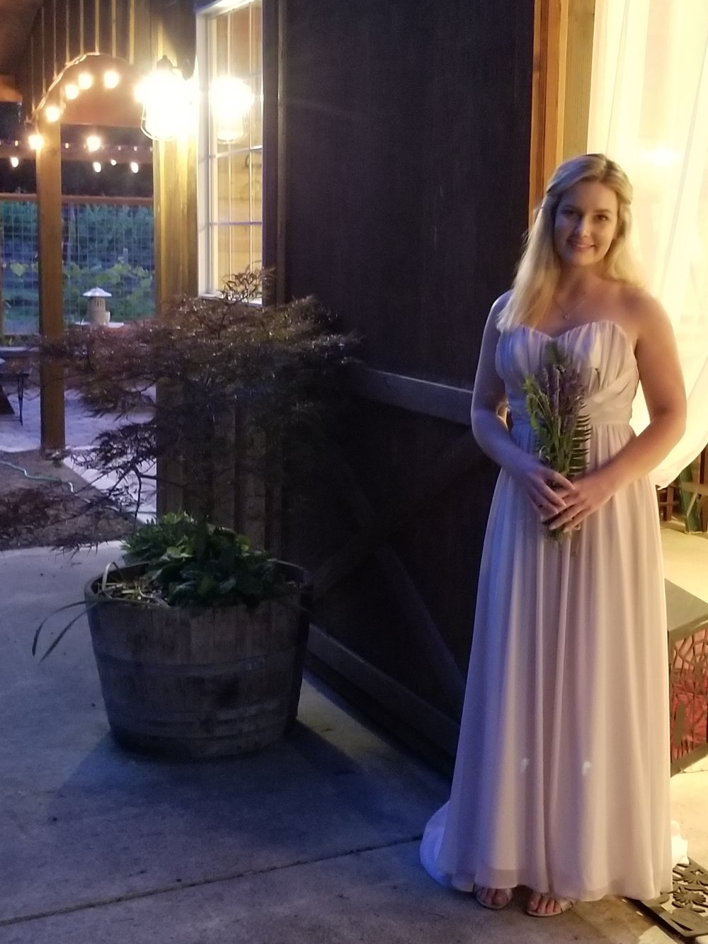 bride, wedding venue, barn