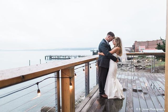 In Port Townsend an overcast, rainy day makes for a dreamy, magical wedding day 💕 authentically your day at @nw_maritime ⛵☔⚓// 📸 @bjonesphotos #weddingsacrossthesound #northwestmaritimecenter #porttownsend #weddingvenue #pnwwedding
