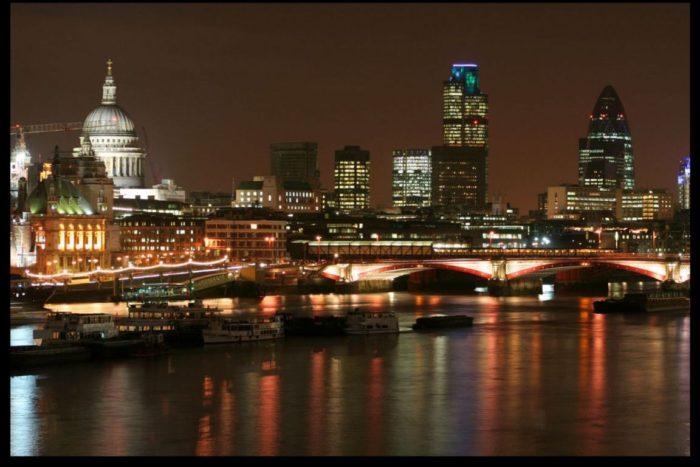 london-skyline-at-night-london-united-kingdom1152_12892552102-tpfil02aw-10697-e1479248587363.jpg