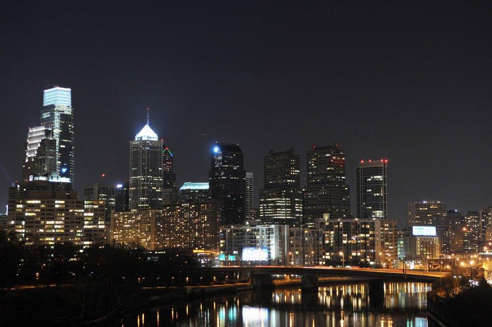 philadelphia-skyline-at-night-wallpaper-3.jpg