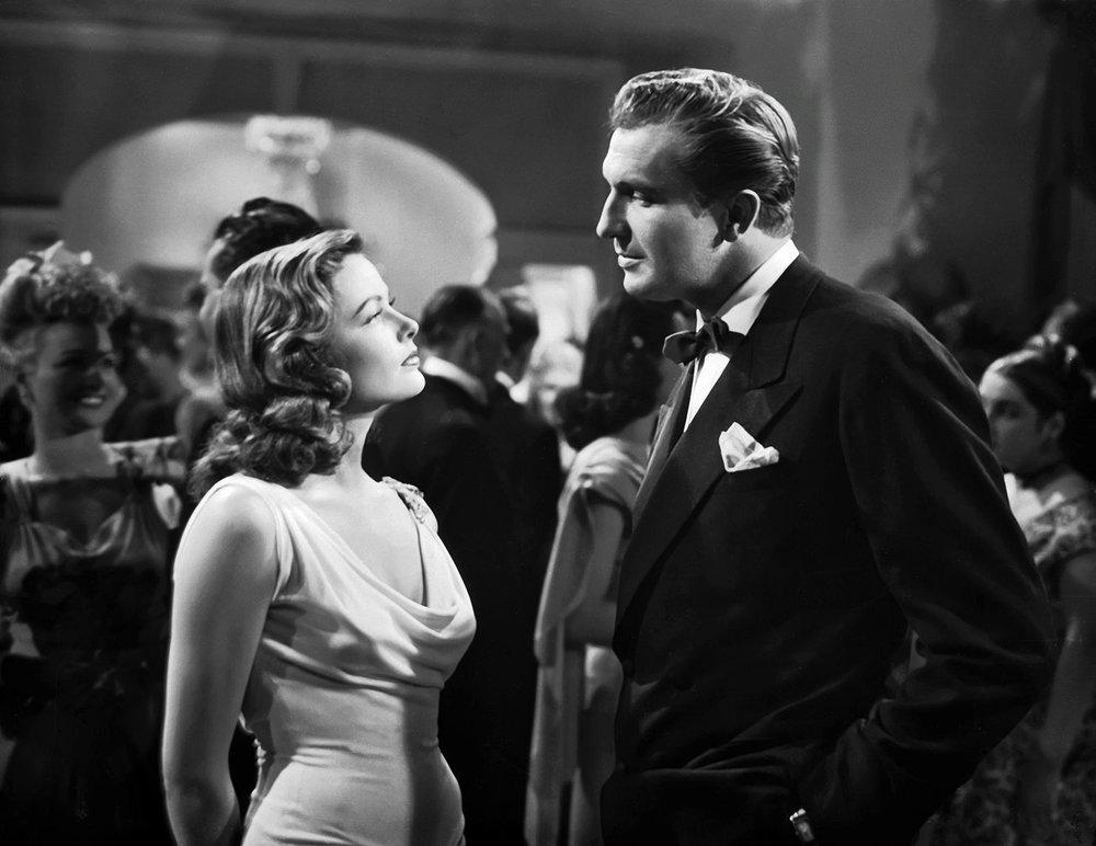 Gene Tierney and Dana Andrews in Laura (1944)