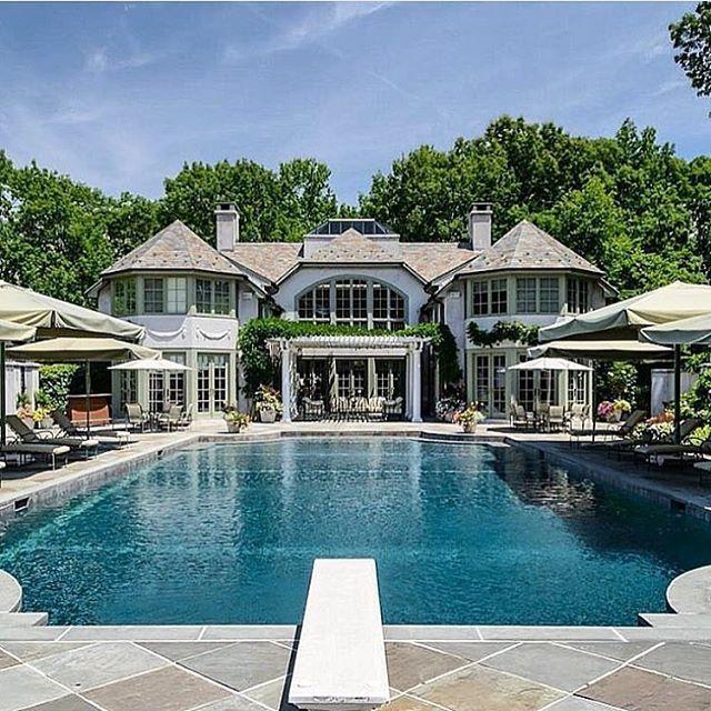 "Reposting @luxury.bossw:⠀ ...⠀ ""Beautiful Luxury Estate  Follow @bossplacess"""