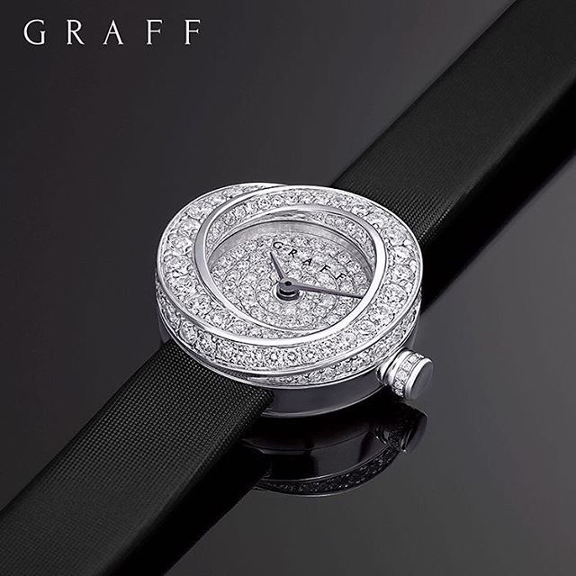 Obsessed with this gorgeous ladies timepiece 😍 📷 @graffdiamonds
