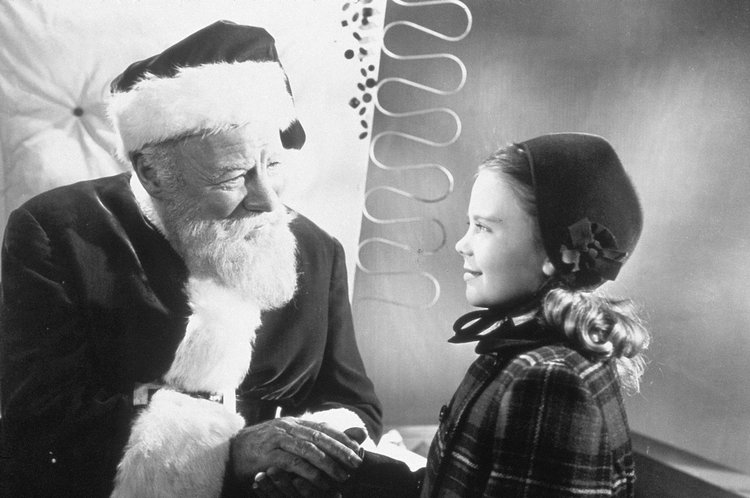 Edmund Gwenn and Natalie Cole in Miracle on 34th Street (1947)