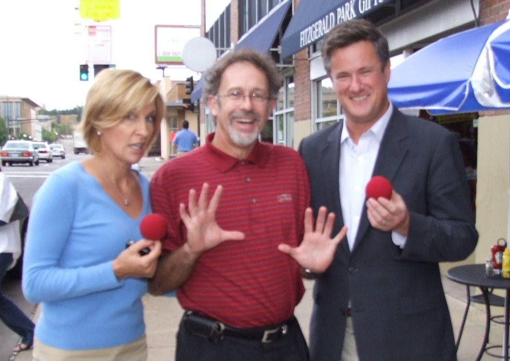Hondo celebrity media Joe Scarborough & Mika cropped @ DNC Keys.jpg