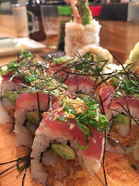 sushi+roll.jpg