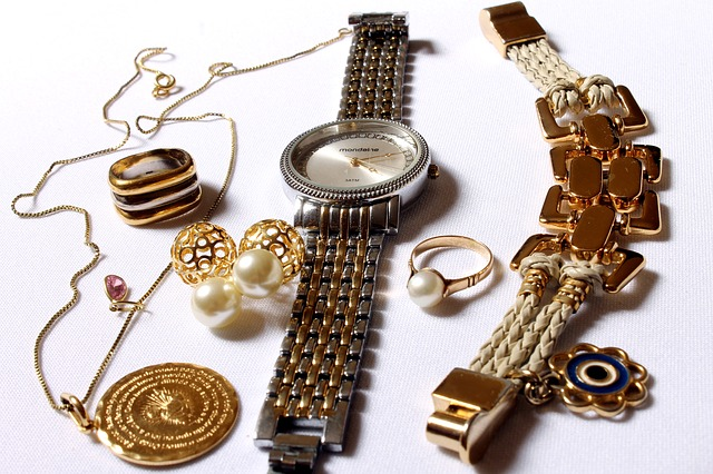 jewelry-618429_640.jpg