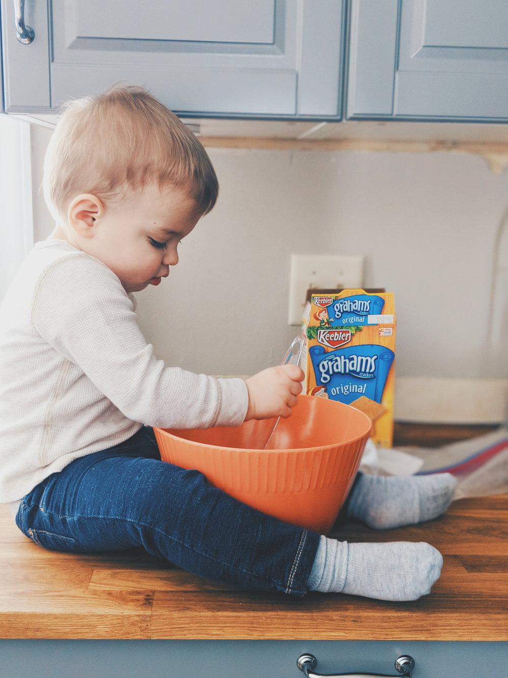 3-ingredient no bake toddler cookies www.momentswithmiss.com 4.jpg