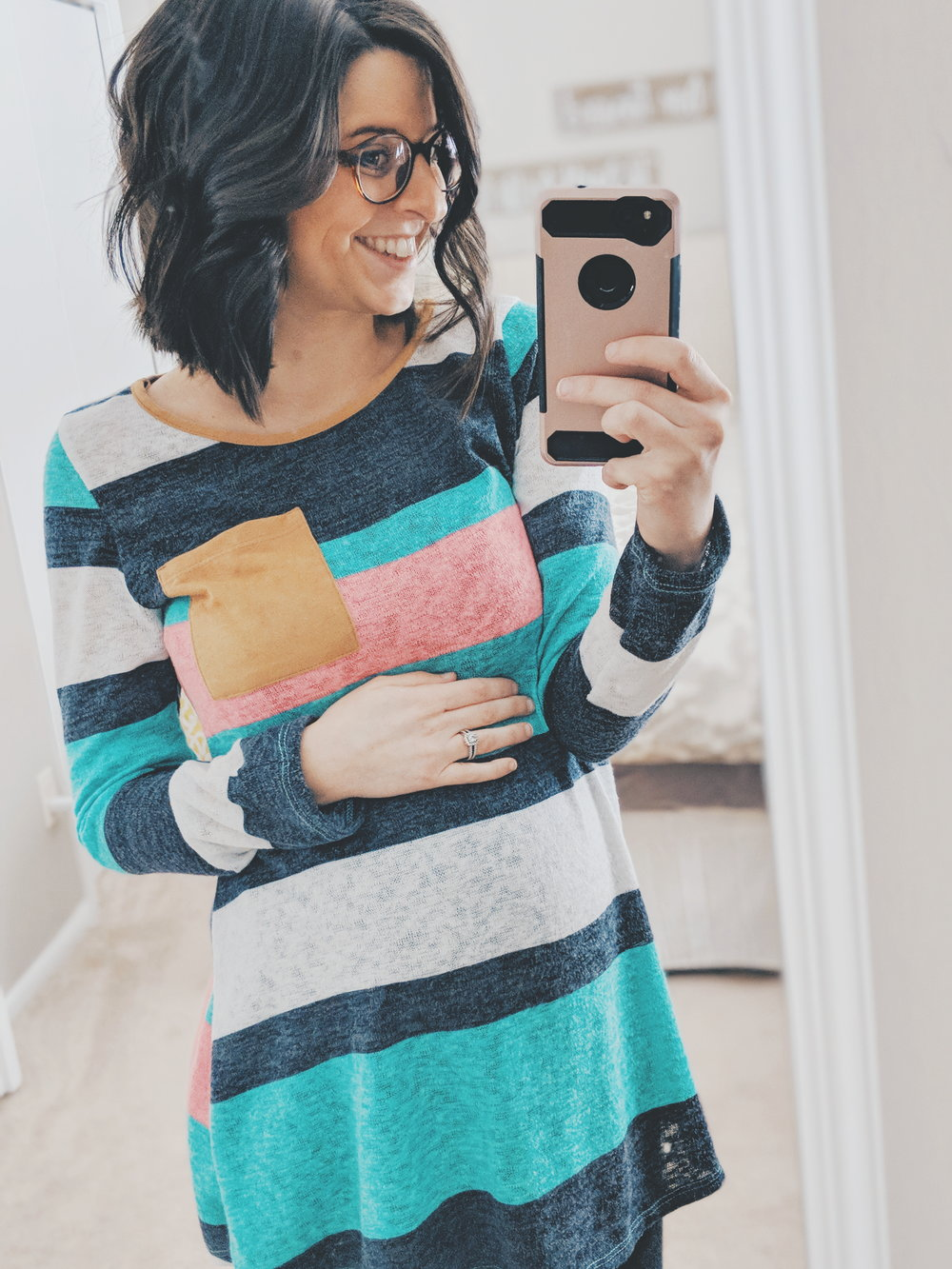21 weeks | Fresh cut, fresh specs ;) and another favorite lightweight winter --> spring transition top from  PinkBlush . I mean... look at those colors *heart eyes.*
