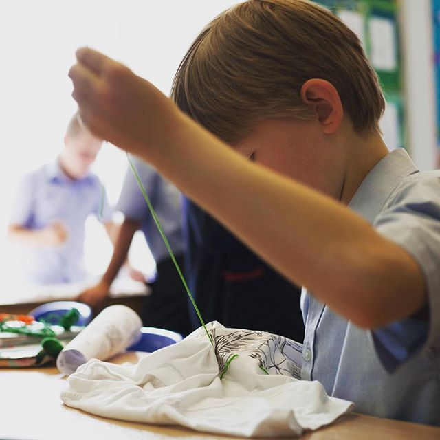 Tbt our first School of Crawlers stitching, sewing, sticking and glueing together new stories for our natural world 🌿🌻 #crawlarts #create2activate #wearyourstory