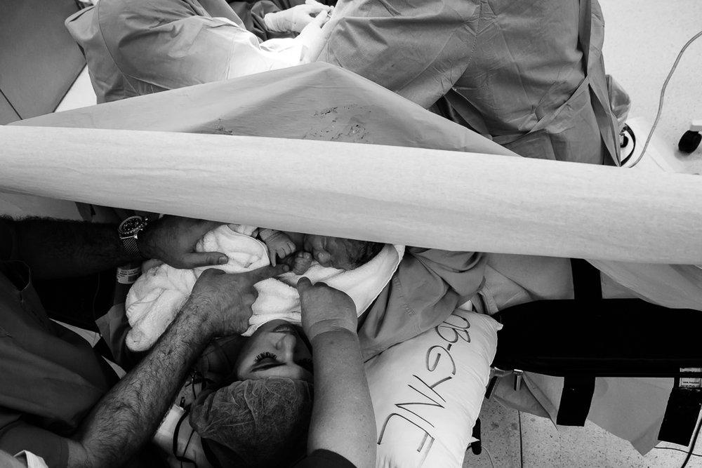 Lana-Photographs-Dubai-Birth-Photographer-18.jpg
