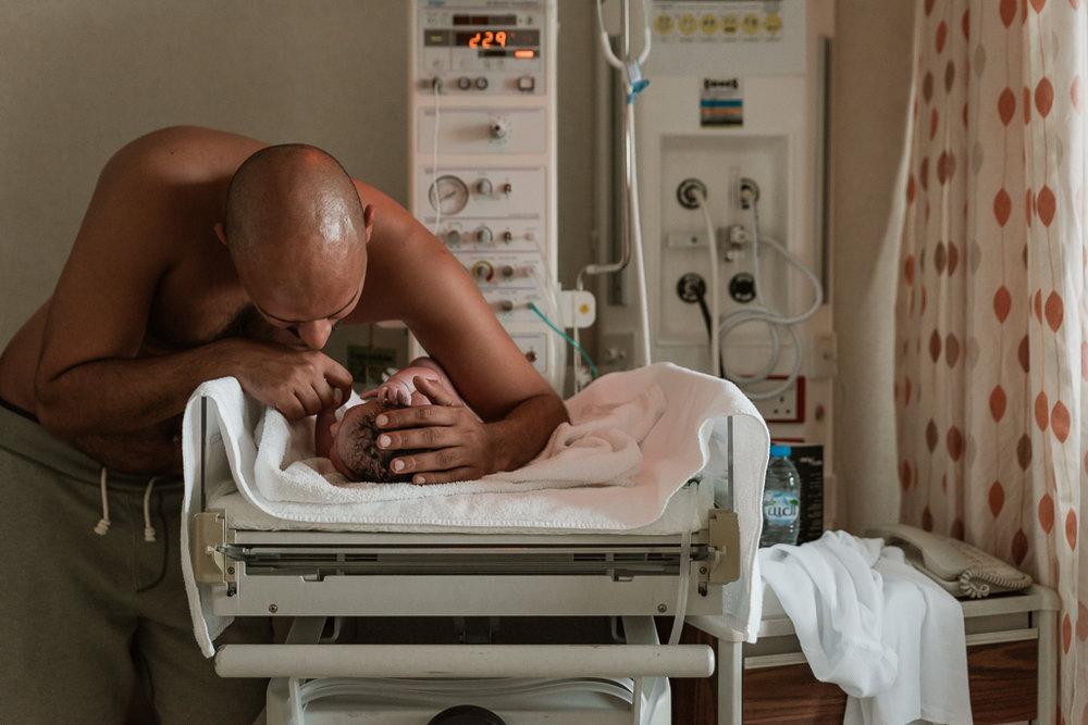 Lana-Photographs-Dubai-Birth-Photographer-31.jpg
