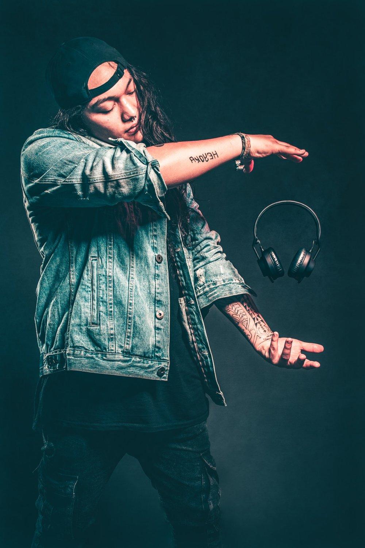 pexels-magician-floating headphones-photo-838702.jpeg