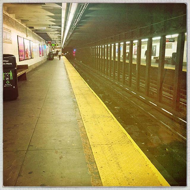 L TRAIN . . . . #CROOKEDGALAXYCROWN #hipstamatic #photography #NYC #neighborhood #photos #random #newyorkcity #perspective #ridgewood #bushwick #queens #brooklyn #Ltrain #brooklynbound #3rdave #nycsubway