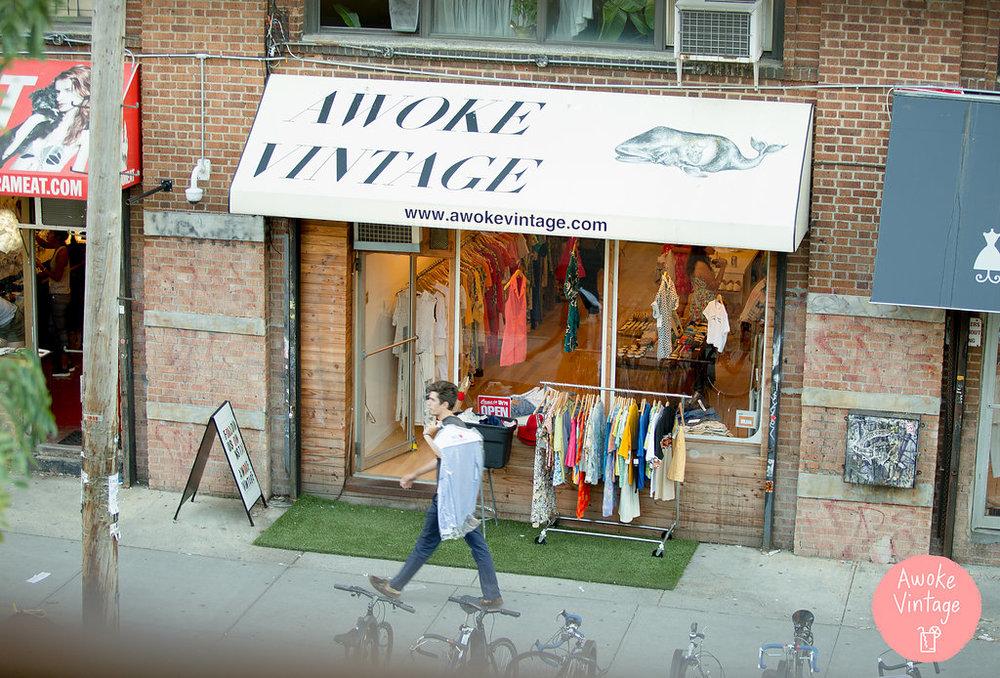 Williamsburg Brooklyn Vintage - Awoke