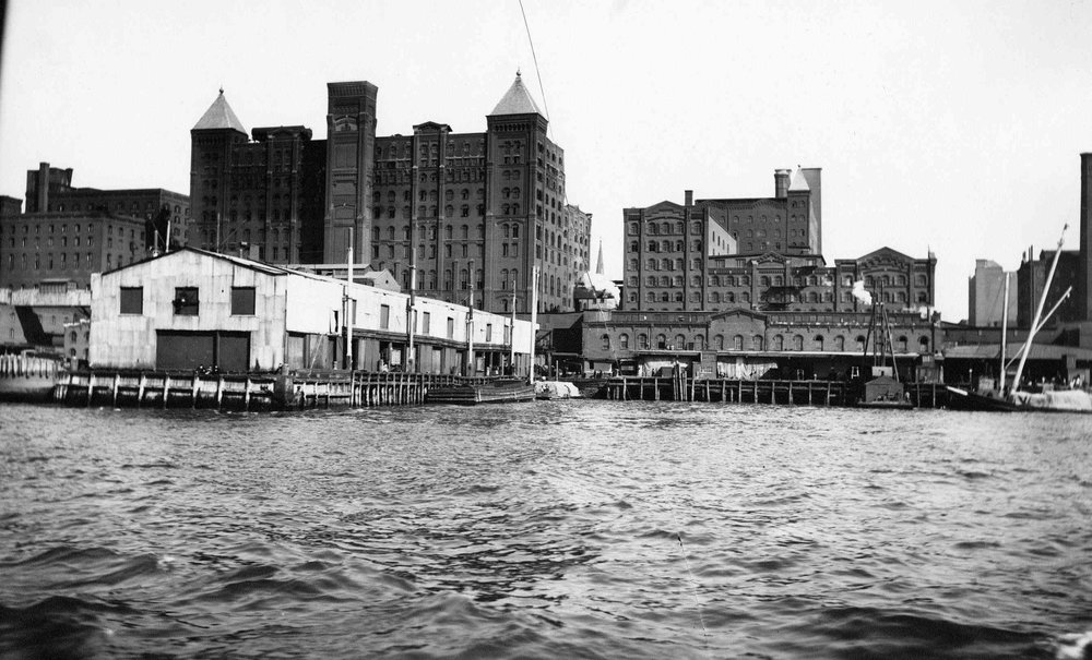 Brooklyn_ Havemeyer & Elder sugar elevator and dock, Kent Avenue  between South 5th Street and South 1st Street in Williamsburg, undated (ca. 1895-1910). Later American Sugar, Domino Sugar..jpg
