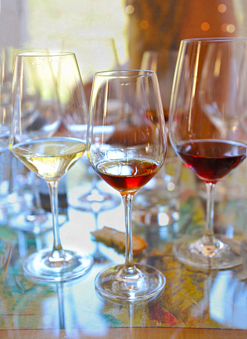 DISCOVER OUR EXTENSIVE WINE COLLECTION