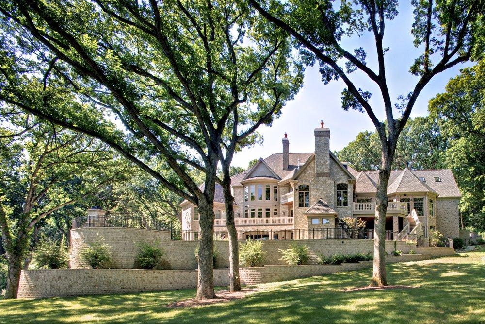 OAK BROOK, HINSDALE, WESTMONT CUSTOM HOME BUILDER- SOUTHAMPTON BUILDERS LLC.