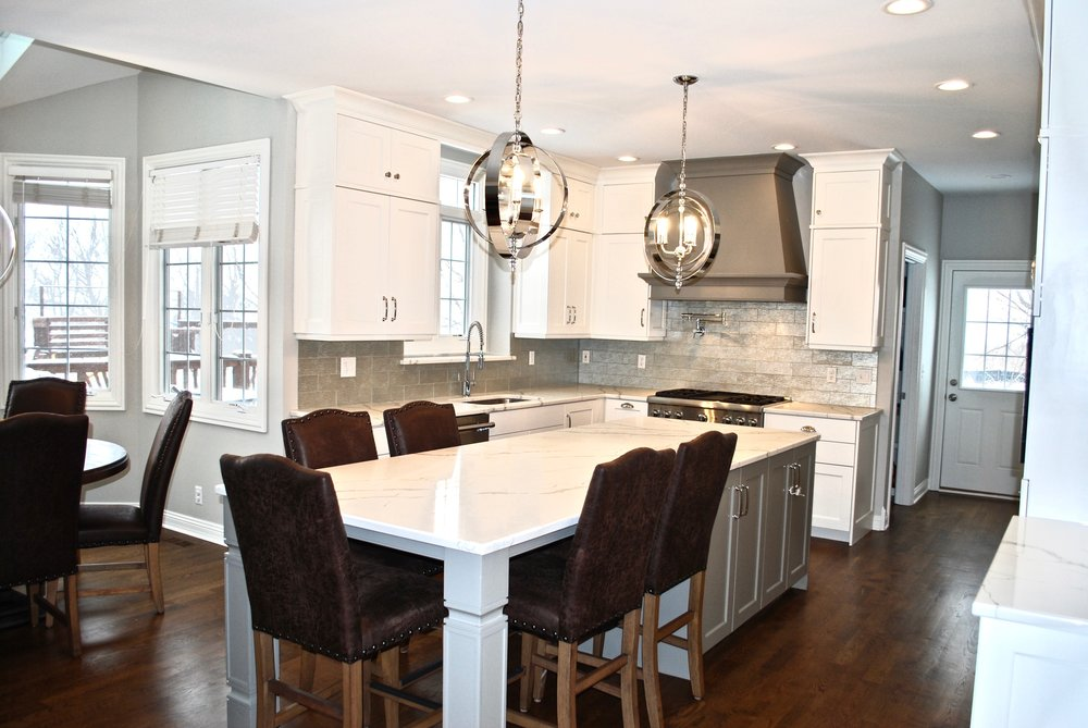 CUSTOM KITCHEN CABINETRY IN SAINT CHARLES IL