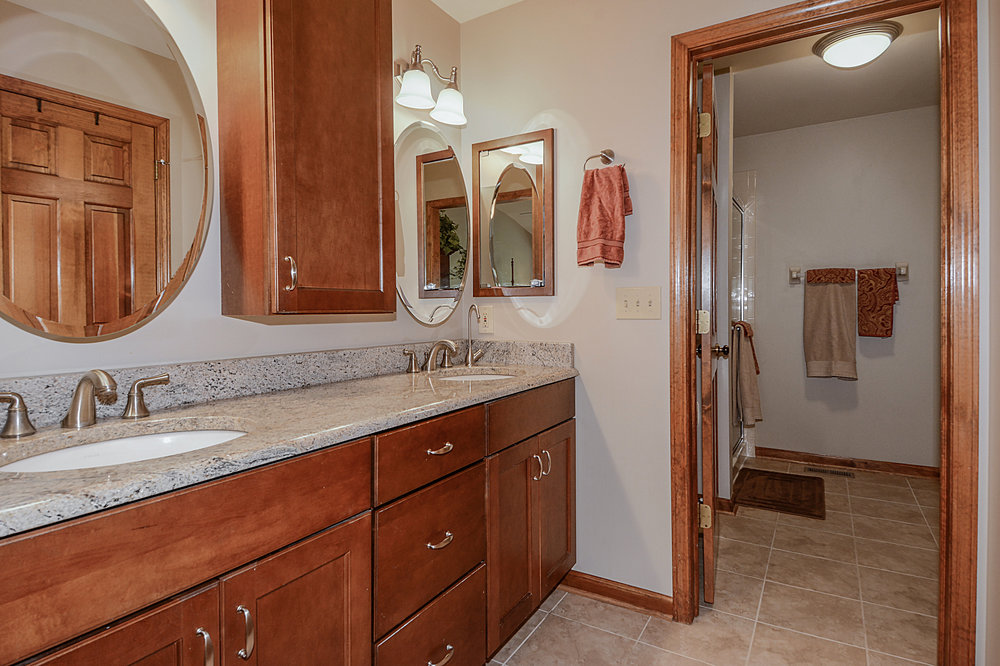 Naperville IL. Townhome Bathroom Remodeling & Updating. Southampton has been Renovating Townhomes in Naperville & in Surrounding Areas for Over 30 Years.