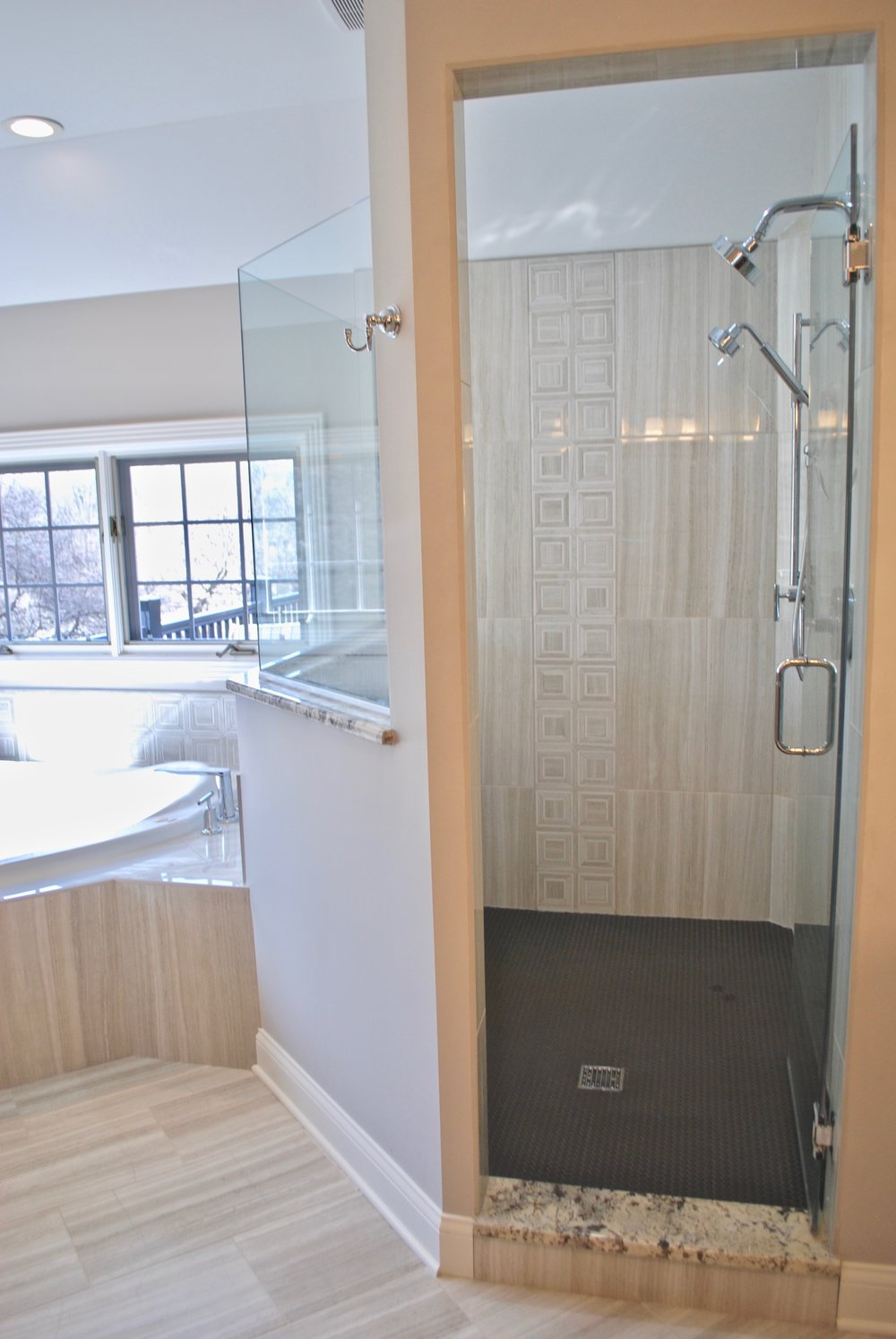 Shower Remodel with Tub Deck in Naperville IL.jpg