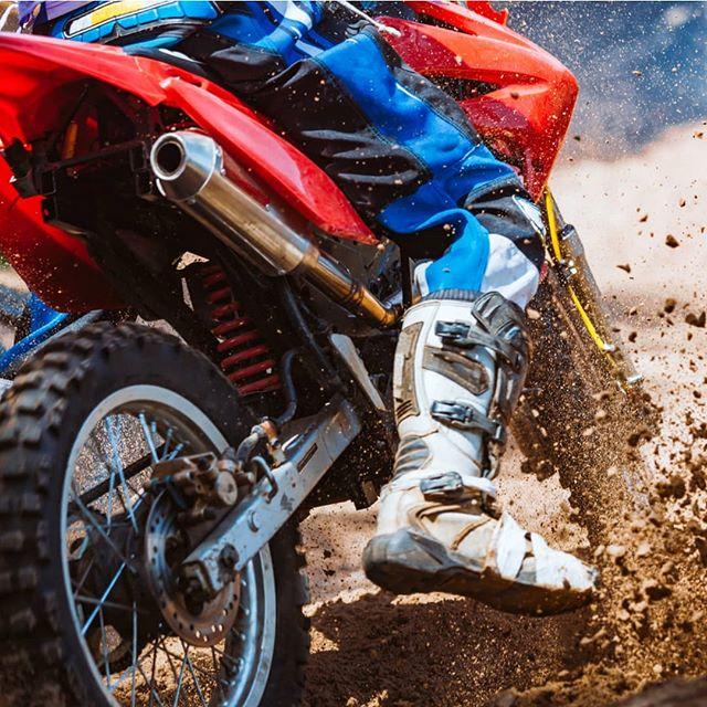 Like motorcross? Of course you do!  The #Manjimup15000MX is on this weekend.  There'll be international racers, heaps of events, and mountains of mud, dirt and fuel.